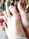 Friends feet L...
